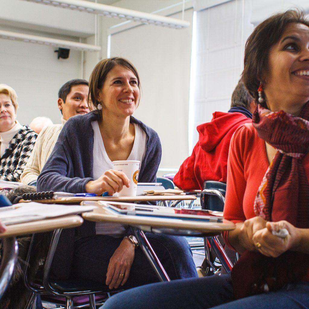Gruppe beim Unterricht